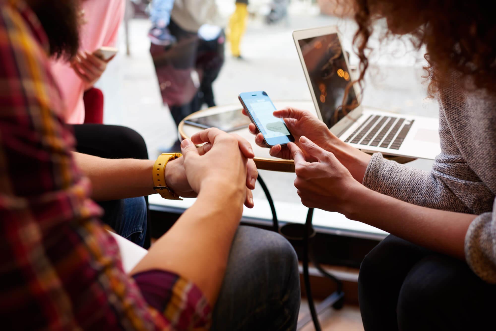 Crescimento mobile exige adaptação rápida de jornais e revistas