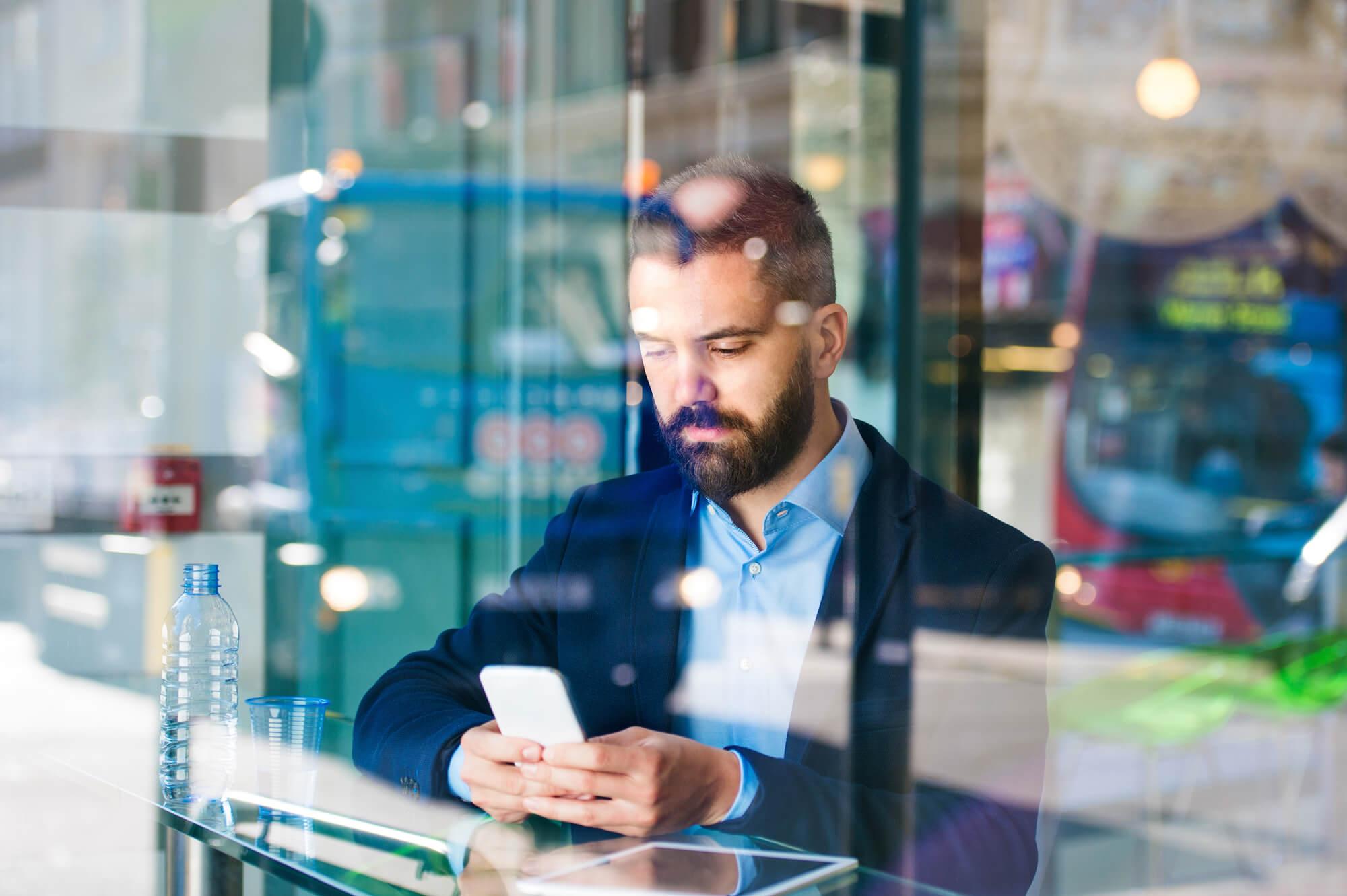 Veja como os dispositivos móveis reconfiguram o consumo de notícias