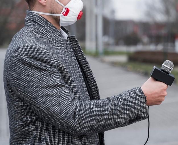 Estudo aponta jornalistas como uma das profissões com maior risco de contaminação da COVID-19